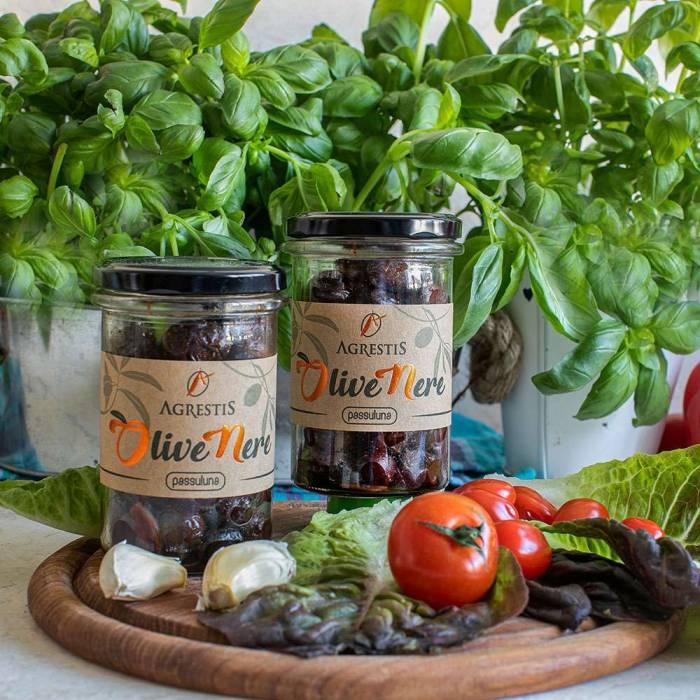 Passuluna Oliven mit Knoblauch und Peperoncini (Agrestis) 180 g